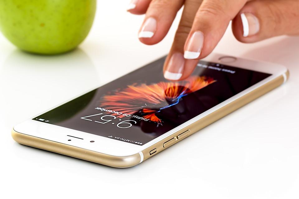 smartphone-189a4723_960_720